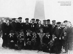 Ветераны Уральского Казачества (с.Уйское нач. 60-х) 1й слева А. Саламатин