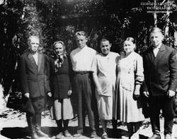 Дед Андрей баба Саня отец мать баба Настя дед Михаил 61г Черног