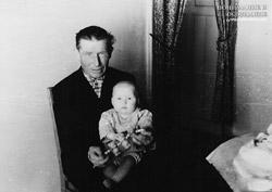 Дед Михаил и Евгений Багаевы в 3 месяца